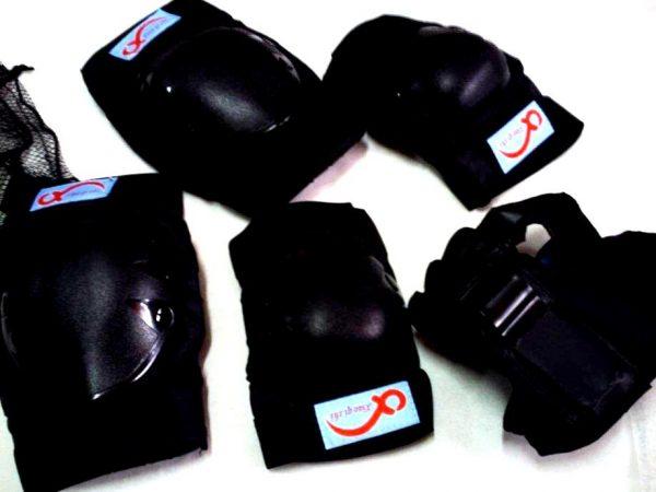 Štitnici za role/skate V294 crni-0