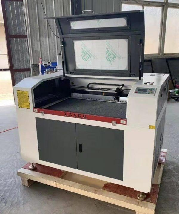Laserska gravirka 900x600 -0